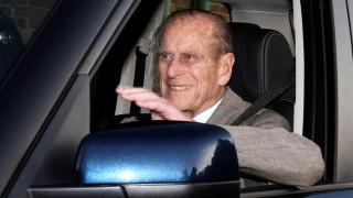 Οδήγηση τέλος για τον 97χρονο πρίγκιπα Φίλιππο: Παρέδωσε οικειοθελώς το δίπλωμά του