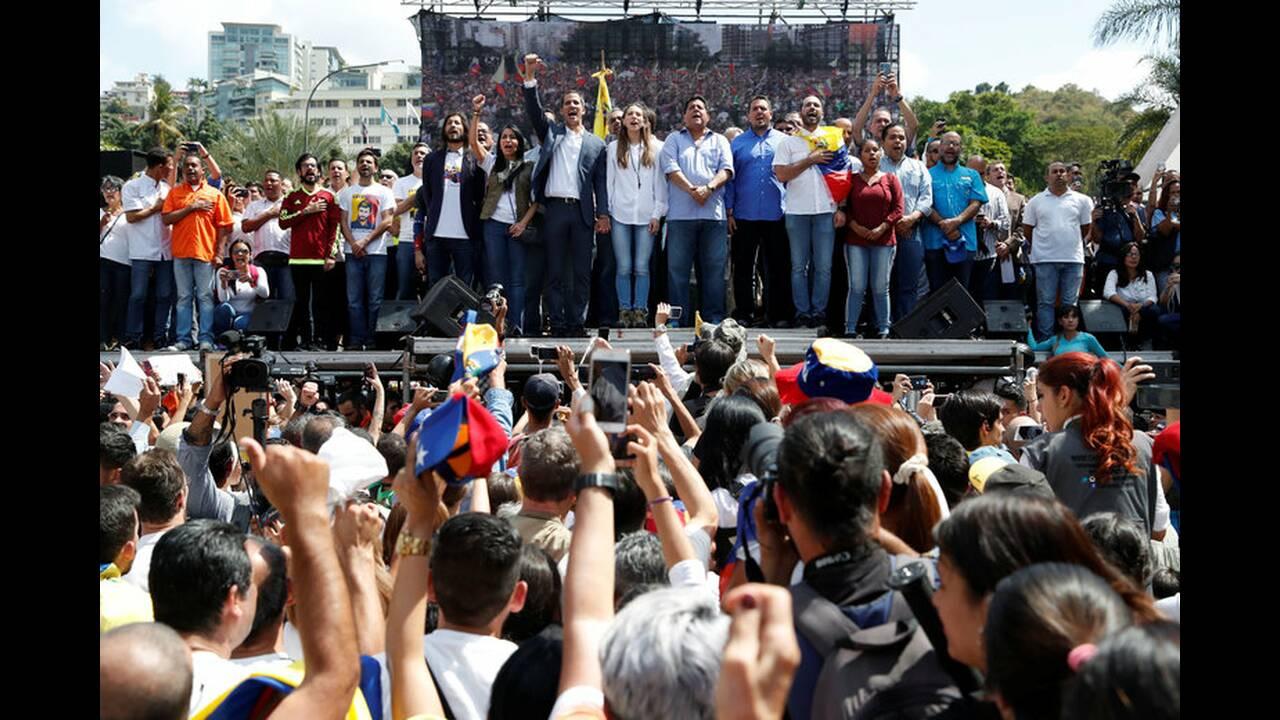 https://cdn.cnngreece.gr/media/news/2019/02/10/165165/photos/snapshot/2019-02-02T180712Z_350520761_RC119FC69300_RTRMADP_3_VENEZUELA-POLITICS.jpg