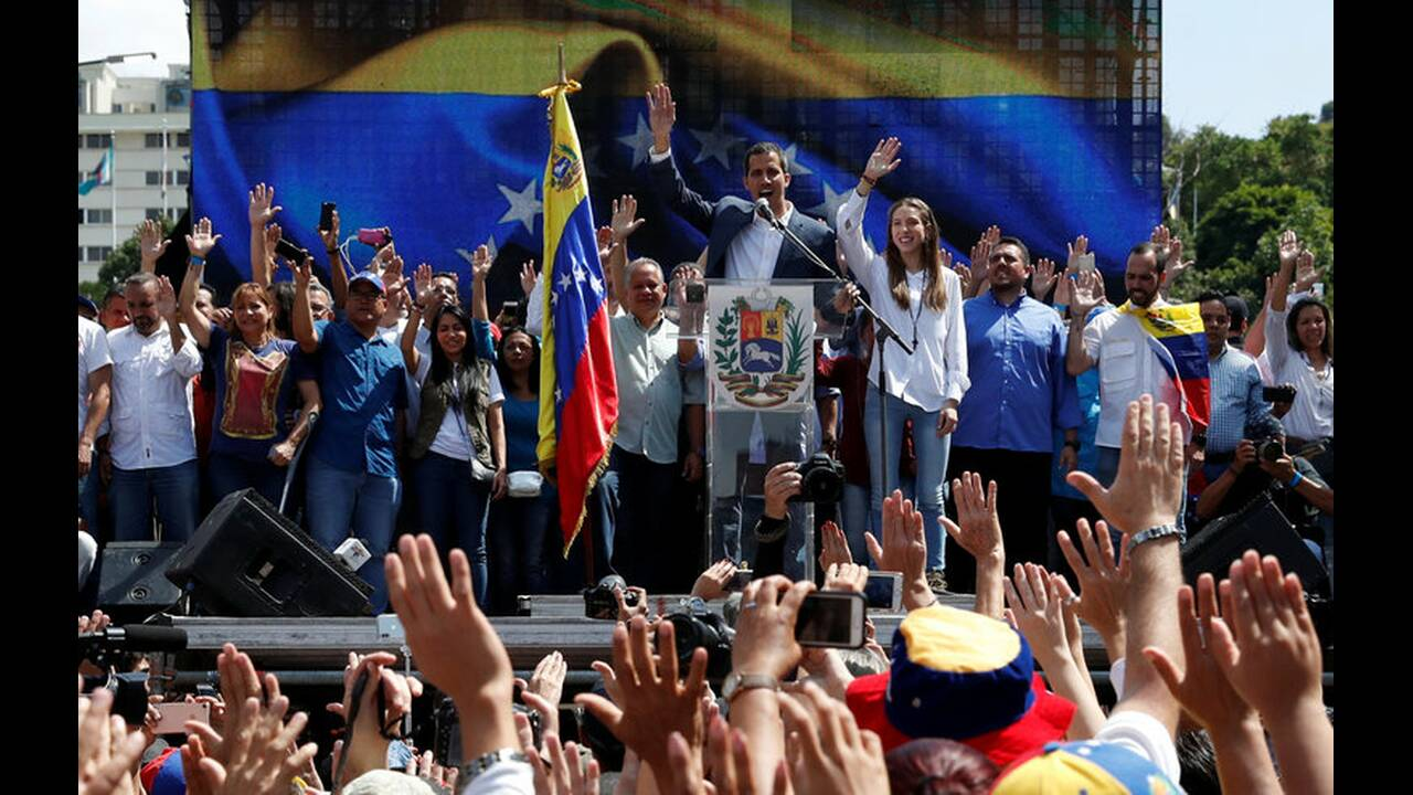 https://cdn.cnngreece.gr/media/news/2019/02/10/165165/photos/snapshot/2019-02-02T180820Z_366304780_RC1E34AB0780_RTRMADP_3_VENEZUELA-POLITICS.jpg