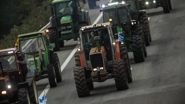 Μπλόκα αγροτών: Δεν αποκλείεται η κάθοδος των τρακτέρ στην Αθήνα