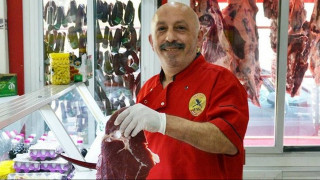 Τουρκία: Κρεοπώλης κατασκεύασε τάφο για την πιο τακτική «πελάτισσά» του