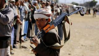 Η UNICEF κρούει τον κώδωνα του κινδύνου: Δεκάδες χιλιάδες τα παιδιά στρατιώτες