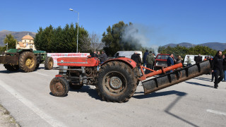 Μπλόκα αγροτών: Εκπνέει το τελεσίγραφο προς την κυβέρνηση – Κλιμακώνουν τις κινητοποιήσεις τους