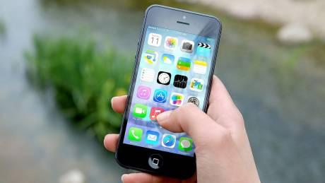 Τα «πάνω – κάτω» στην κινητή τηλεφωνία: Έρχονται συμβόλαια με απεριόριστες κλήσεις