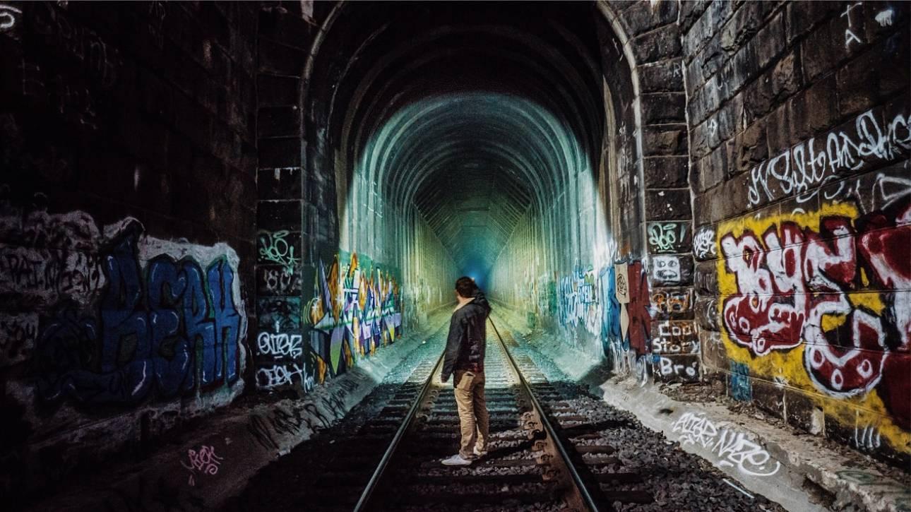 Ισπανία: Συνέλαβαν 18 γκραφιτάδες που σταματούσαν τρένα για να τα ζωγραφίσουν
