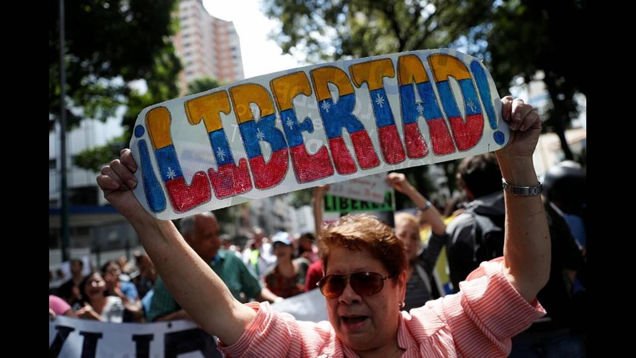 https://cdn.cnngreece.gr/media/news/2019/02/11/165355/photos/snapshot/2019-01-30T171815Z_1760075228_RC1AC58021A0_RTRMADP_3_VENEZUELA-POLITICS.JPG
