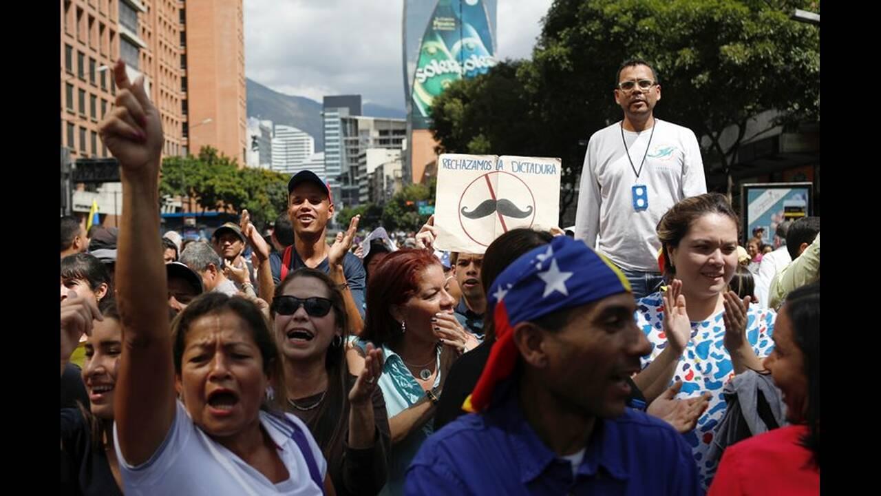 https://cdn.cnngreece.gr/media/news/2019/02/11/165355/photos/snapshot/2019-01-30T174723Z_622019882_RC187BE6B4C0_RTRMADP_3_VENEZUELA-POLITICS.JPG