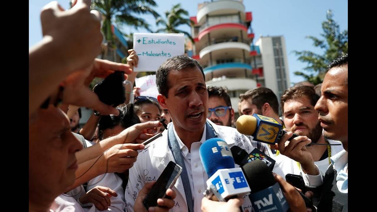 https://cdn.cnngreece.gr/media/news/2019/02/11/165355/photos/snapshot/2019-01-30T175853Z_1671388169_RC1BD8CAF3C0_RTRMADP_3_VENEZUELA-POLITICS.JPG