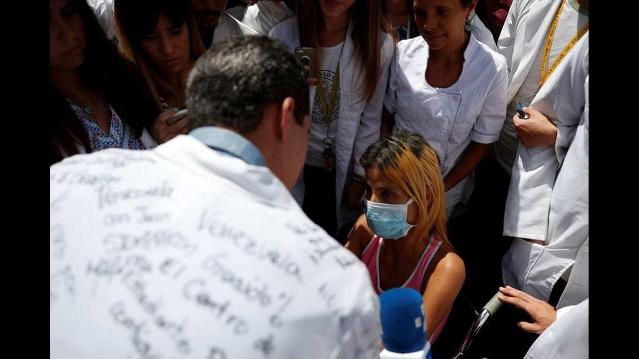 https://cdn.cnngreece.gr/media/news/2019/02/11/165355/photos/snapshot/2019-01-30T182316Z_534498142_RC1F80ED5FA0_RTRMADP_3_VENEZUELA-POLITICS.JPG