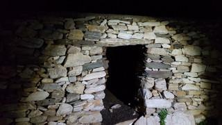 Περίεργη υπόθεση απαγωγής στη Σίφνο: Κρατούσαν 26χρονο σε λαγούμι