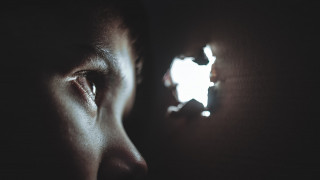 Συγκλονίζουν τα στοιχεία έρευνας του ΑΠΘ για τη σεξουαλική κακοποίηση παιδιών