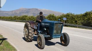 Μπλόκα αγροτών: Απέκλεισαν τον κόμβο του Πλατυκάμπου οι αγρότες της Νίκαιας