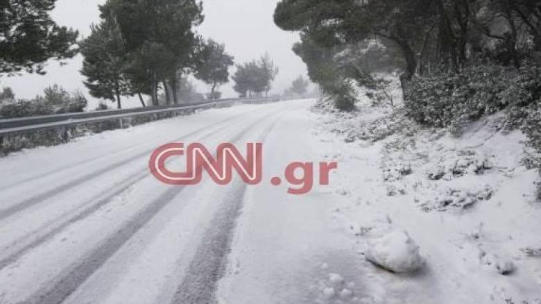 Καιρός: Η «Χιόνη» κλείνει δρόμους - Πού εντοπίζονται προβλήματα