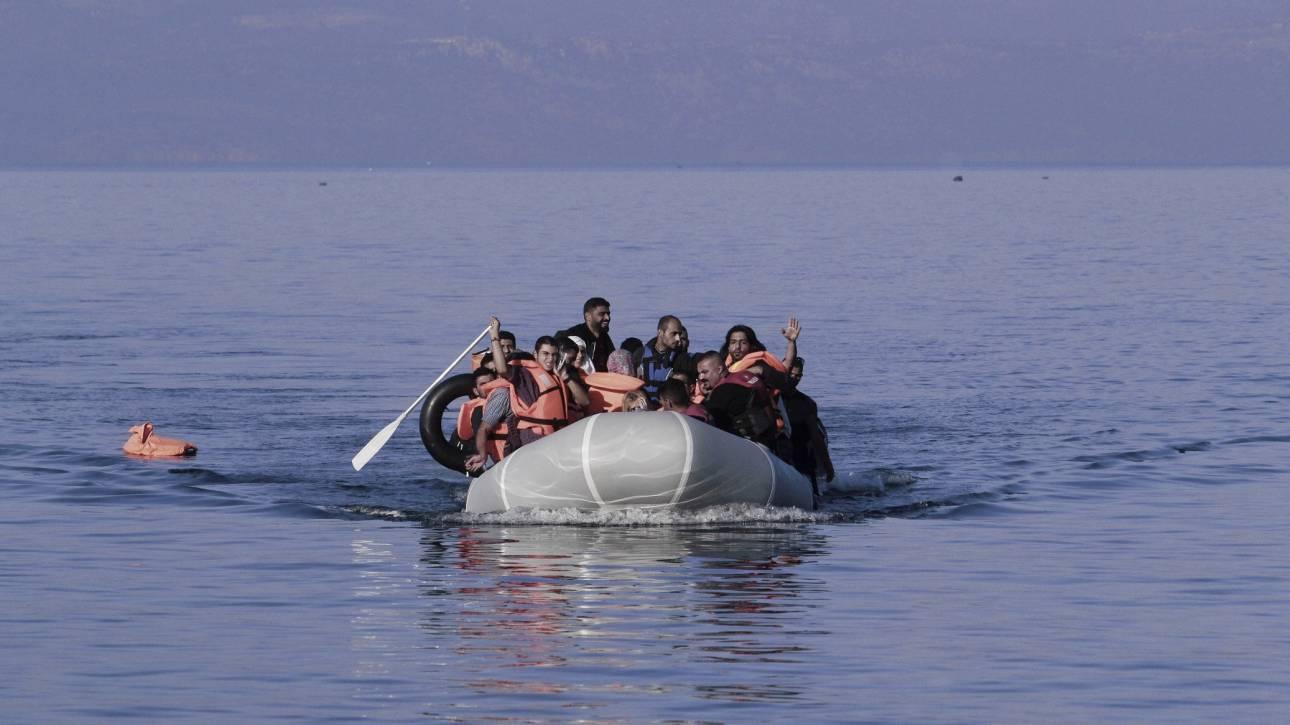 Αποτέλεσμα εικόνας για προσφυγες βαρκα