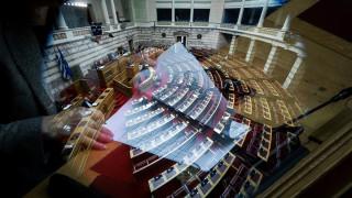 Συνταγματική Αναθεώρηση: Υπερψήφισε 15 προτάσεις του ΣΥΡΙΖΑ το ΚΚΕ