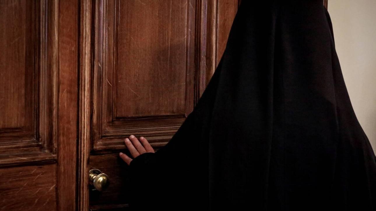Σκάνδαλο σε εκκλησία στον Τύρναβο: Άφαντοι ιερέας, εικόνες και 140.000 ευρώ!