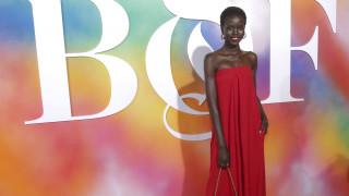 Adut Akech: Η πρόσφυγας που έγινε ένα από τα κορυφαία μοντέλα του κόσμου