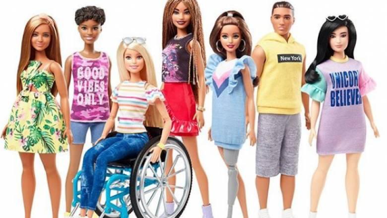 Έρχεται η πρώτη «διαφορετική» Barbie: Σε καροτσάκι ΑμεΑ ή με προσθετικό μέλος