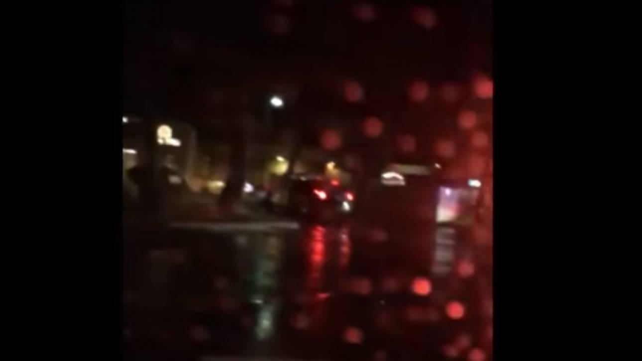Σοκαριστικό βίντεο: Αστυνομικοί πυροβολούν πάνω από 10 φορές 20χρονο που κοιμάται στο αυτοκίνητό του