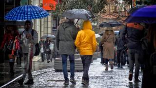 Καιρός: Πού αναμένονται βροχές, καταιγίδες και χιόνια το Σάββατο