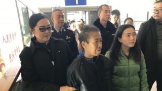 Ταϊλανδή με άνοια ήθελε να πάει στο γιο της, κατέληξε με τα πόδια στην... Κίνα και έχασε 20 κιλά