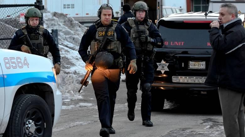 ΗΠΑ: Πέντε νεκροί από την ένοπλη επίθεση στο Ιλινόις - Νεκρός ο δράστης