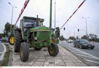 Μπλόκα αγροτών: Αποχώρησαν οι αγρότες της Λάρισας – Δίνουν ραντεβού τον Μάρτη