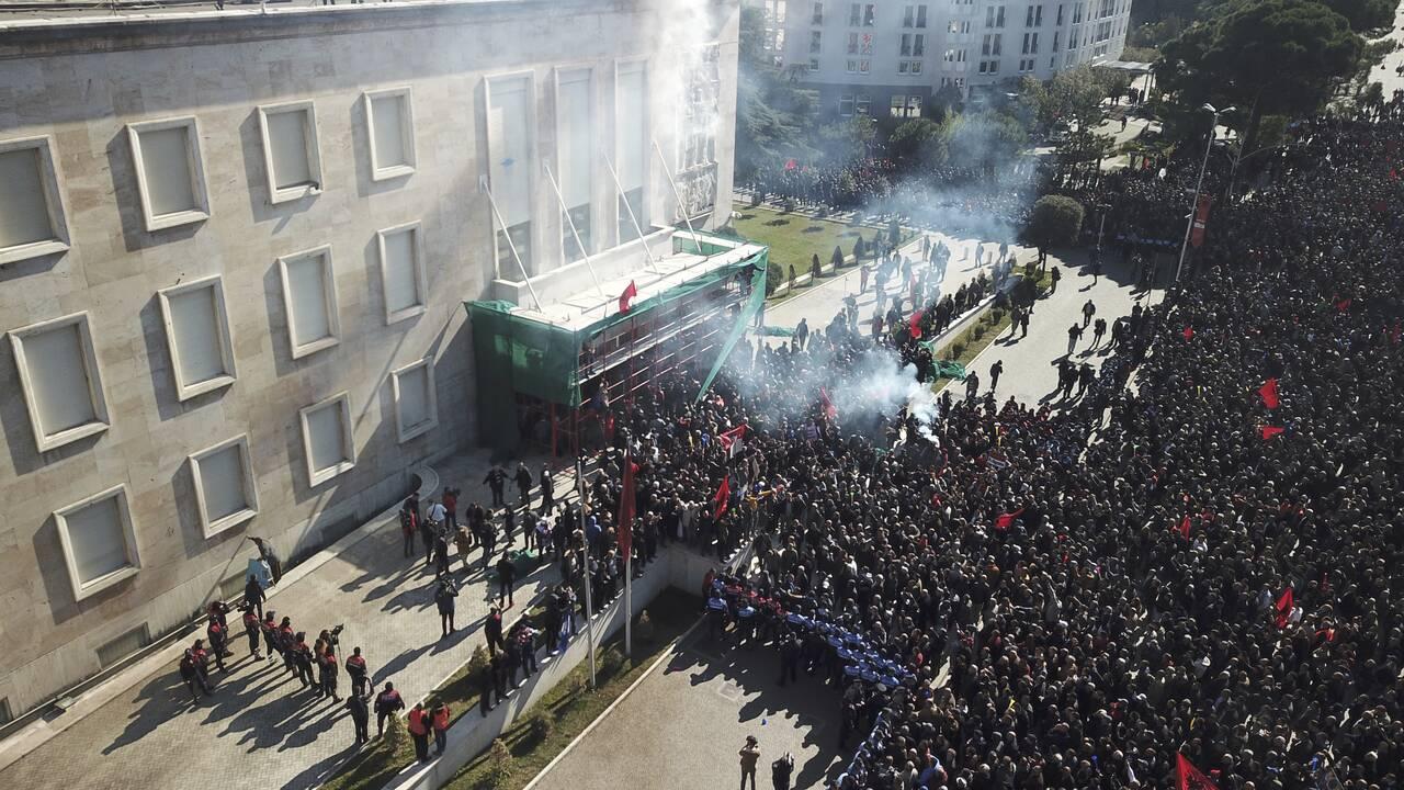 https://cdn.cnngreece.gr/media/news/2019/02/16/165936/photos/snapshot/AP_19047414615551.jpg