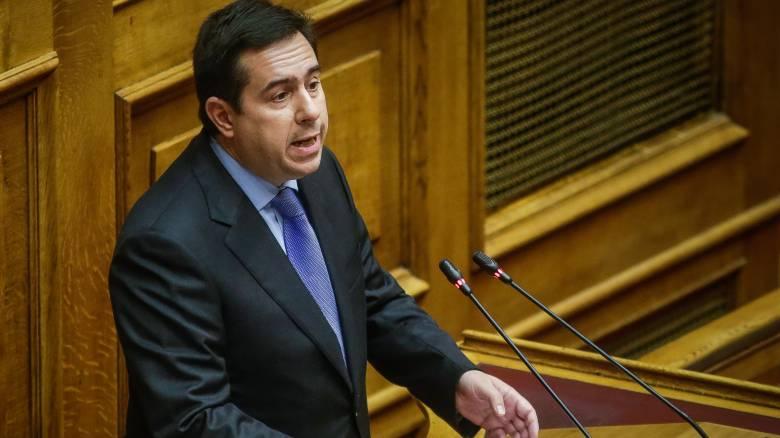 Μηταράκης: Φοβάται η ηγεσία του υπουργείου Εργασίας