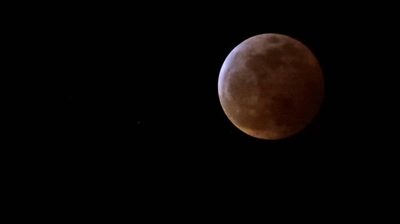 Έρχεται η «σούπερ χιονισμένη σελήνη»: Αντίστροφη μέτρηση για το εντυπωσιακό φαινόμενο