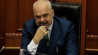Αλβανία: Πολιτική κρίση δίχως τέλος για τον Έντι Ράμα - Παραιτήθηκε κόμμα της αντιπολίτευσης