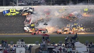 Tρομακτικό ατύχημα στο NASCAR