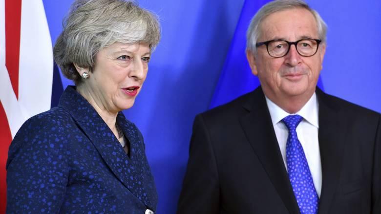 Γιούνκερ: Η ΕΕ δεν θα εναντιωνόταν στην αναβολή του Brexit
