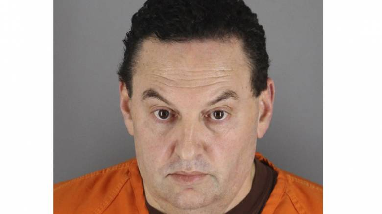 Πέταξε μια χαρτοπετσέτα και τον συνέλαβε το FBI για δολοφονία