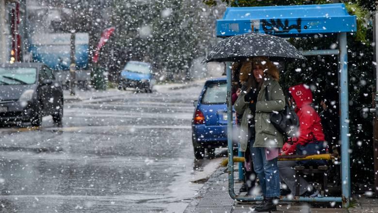 Καιρός: Έρχεται νέος χιονιάς - το «στρώνει» και στην Αθήνα
