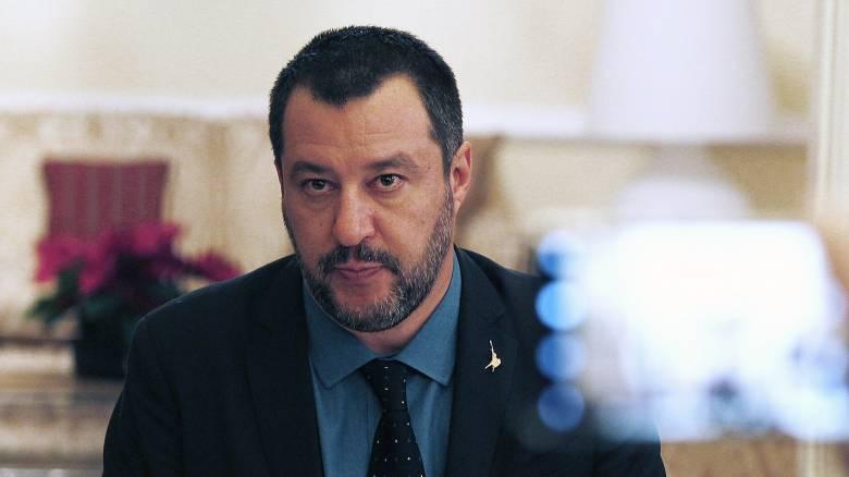 Ιταλία: Ο Σαλβίνι υπέρ της επαναλειτουργίας των οίκων