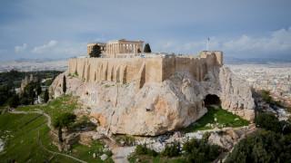 Πολεοδομικό «έγκλημα» στην Ακρόπολη: Η οικιστική ανάπτυξη απειλεί τον ιερό βράχο
