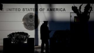 Συναγερμός στην αμερικανική πρεσβεία: Τούρκος σκαρφάλωσε τα κάγκελα για να ζητήσει άσυλο