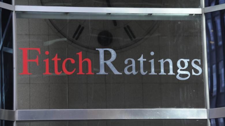 Brexit: Ο οίκος Fitch απειλεί με υποβάθμιση το αξιόχρεο της Βρετανίας
