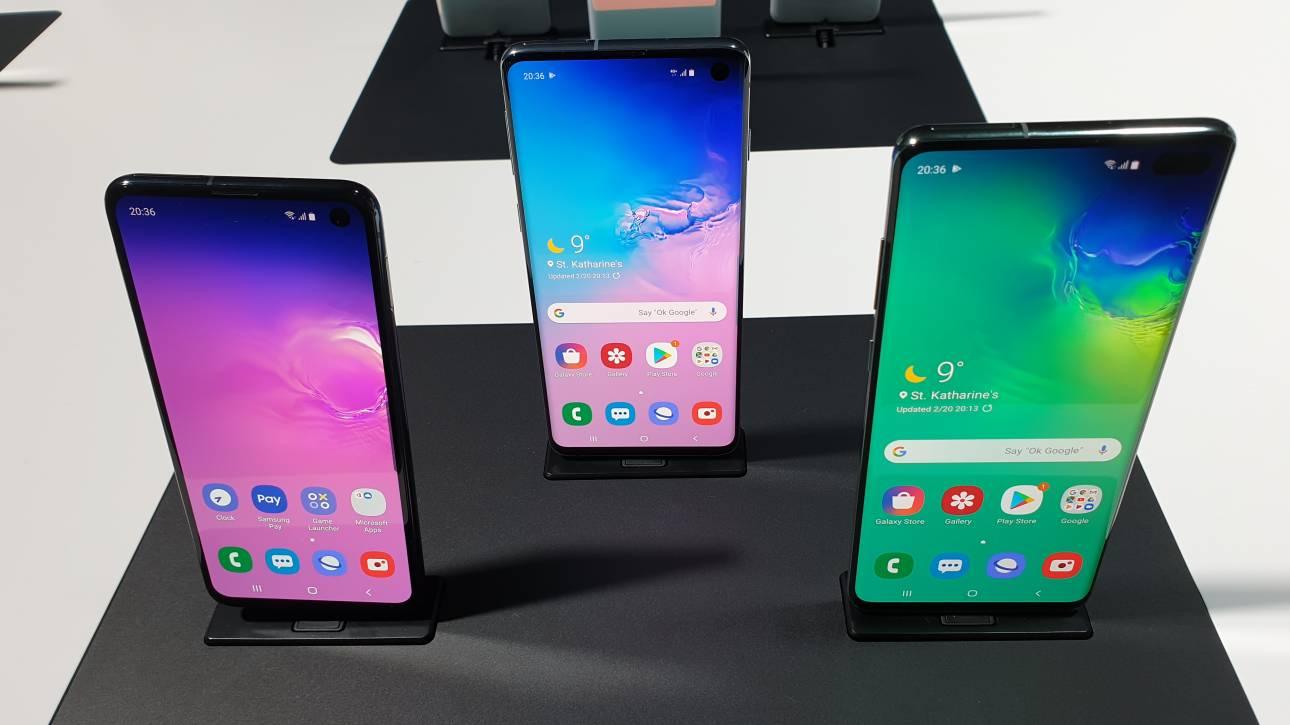 H Samsung περνά στην επίθεση με νέα μοντέλα αλλά και το πρώτο foldable smartphone