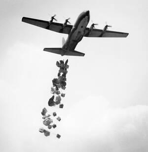 1967 Αμερικανικά αεροσκάφη C130 πετάνε προμήθειες για τη 2η Μεραρχία στο Βιετνάμ.