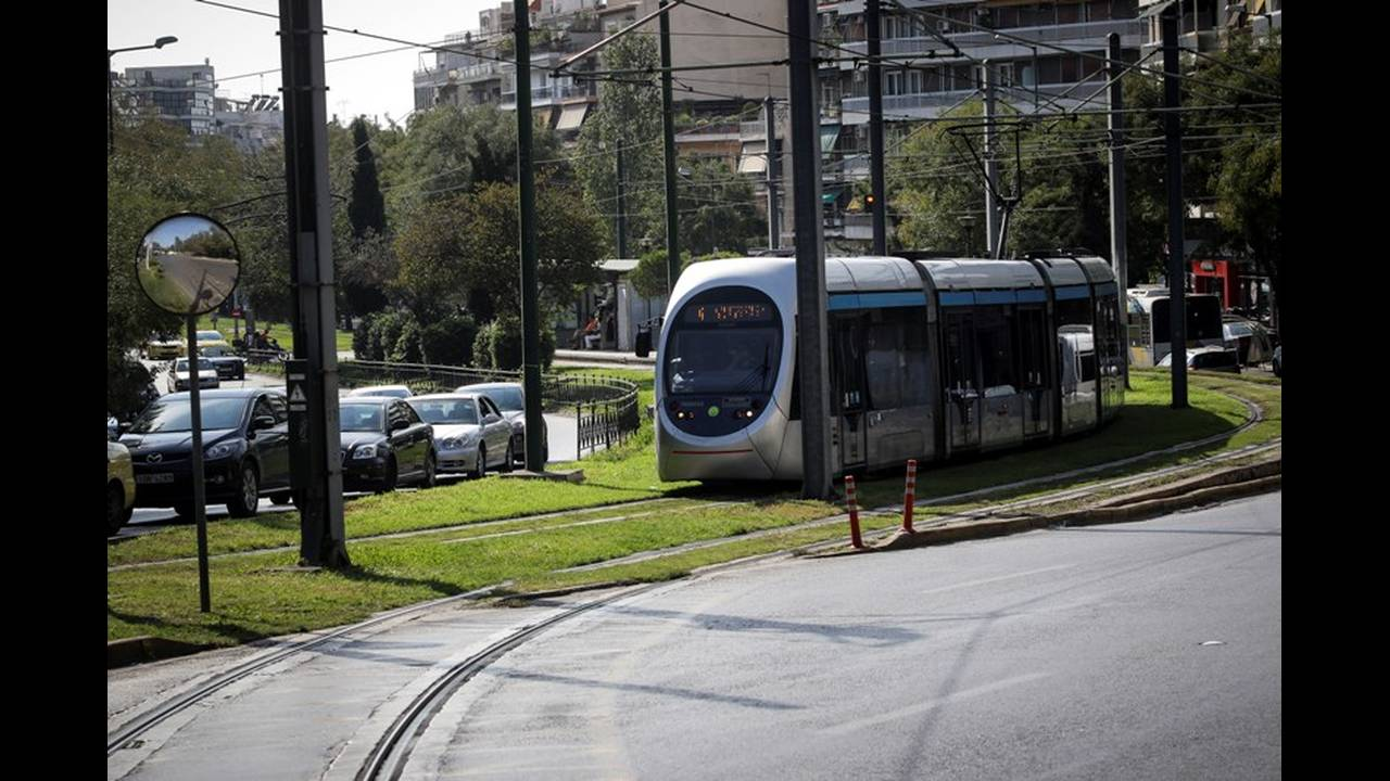 https://cdn.cnngreece.gr/media/news/2019/02/21/166540/photos/snapshot/tram4.jpg