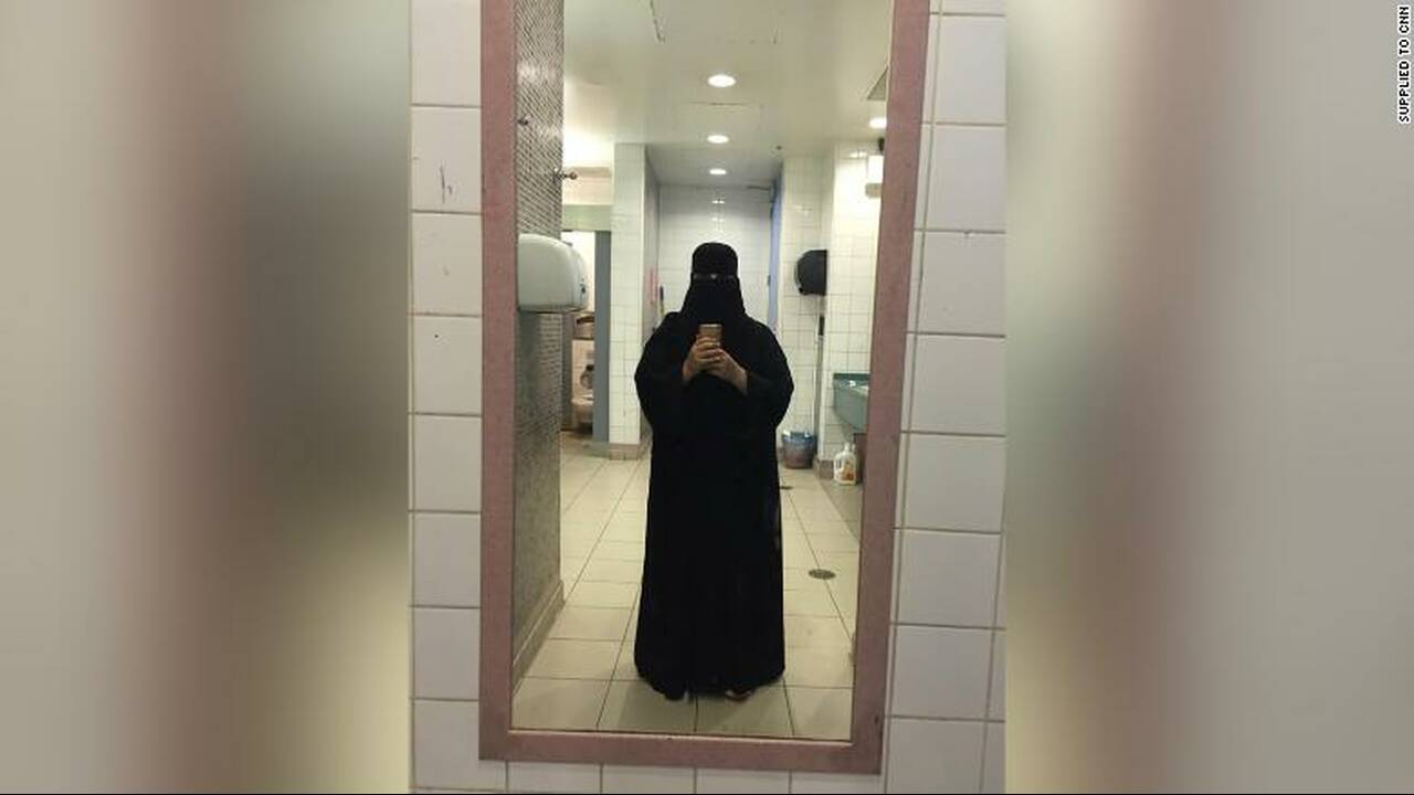 https://cdn.cnngreece.gr/media/news/2019/02/21/166572/photos/snapshot/190220090218-saudi-girls-2002-02-exlarge-169.jpg