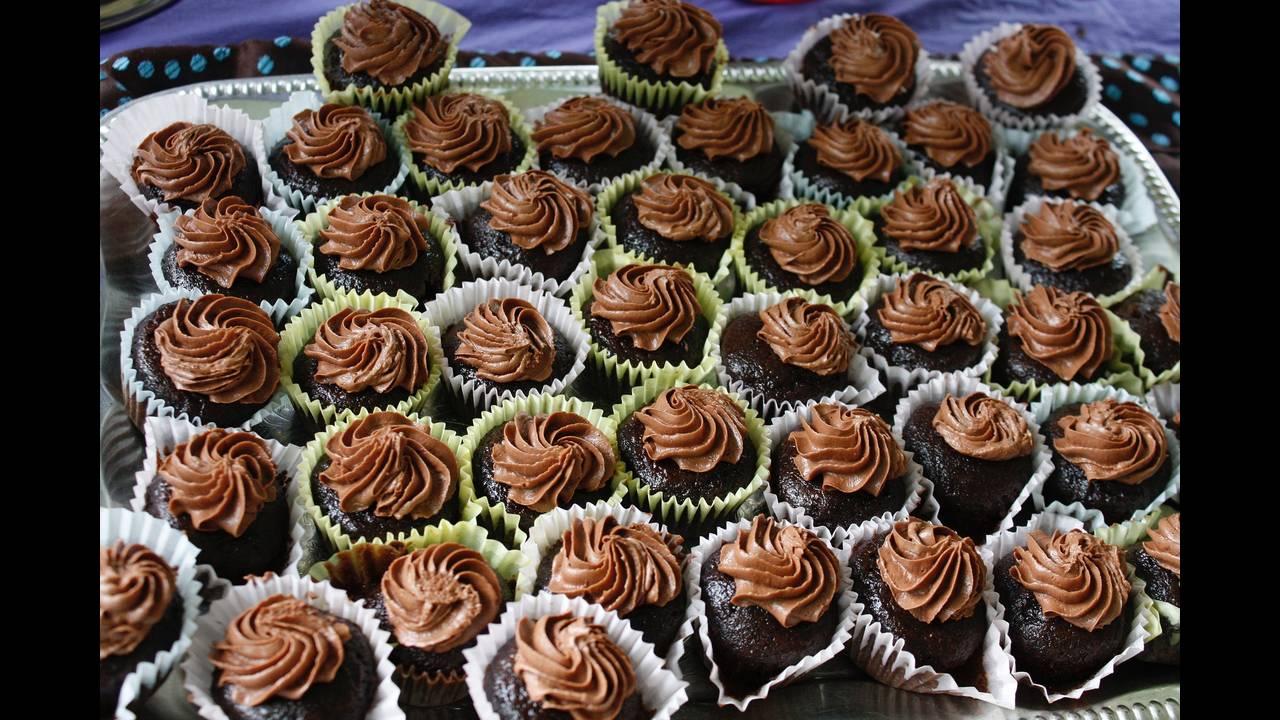 https://cdn.cnngreece.gr/media/news/2019/02/22/166625/photos/snapshot/cupcakes-1962066_1920.jpg