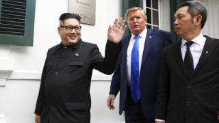 Βιετνάμ: Προσήχθησαν ο «Ντόναλντ Τραμπ» και ο «Κιμ Γιονγκ Ουν»!