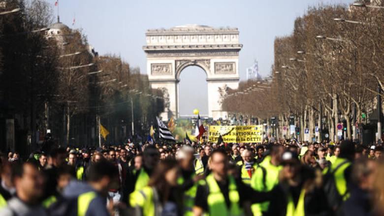Για 15η εβδομάδα στους δρόμους τα «Κίτρινα Γιλέκα» - Τι φοβούνται οι αρχές