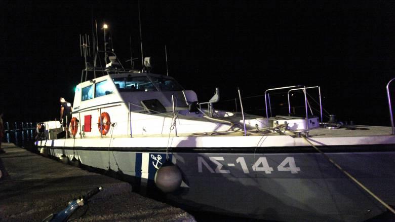 Προσάραξη φορτηγού πλοίου στη Μύκονο - Έσπασαν οι κάβοι λόγω ισχυρών ανέμων