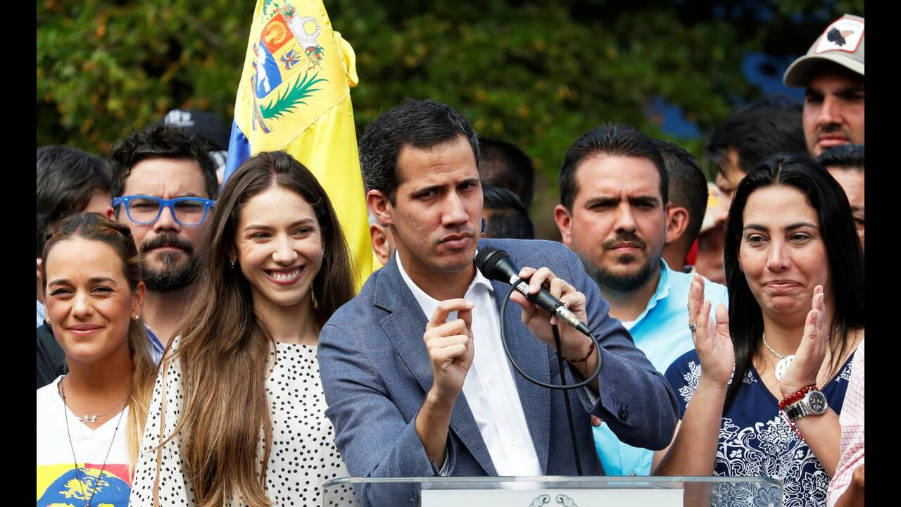 https://cdn.cnngreece.gr/media/news/2019/02/24/166822/photos/snapshot/2019-01-26T184912Z_885657554_RC19C48C3970_RTRMADP_3_VENEZUELA-POLITICS.jpg