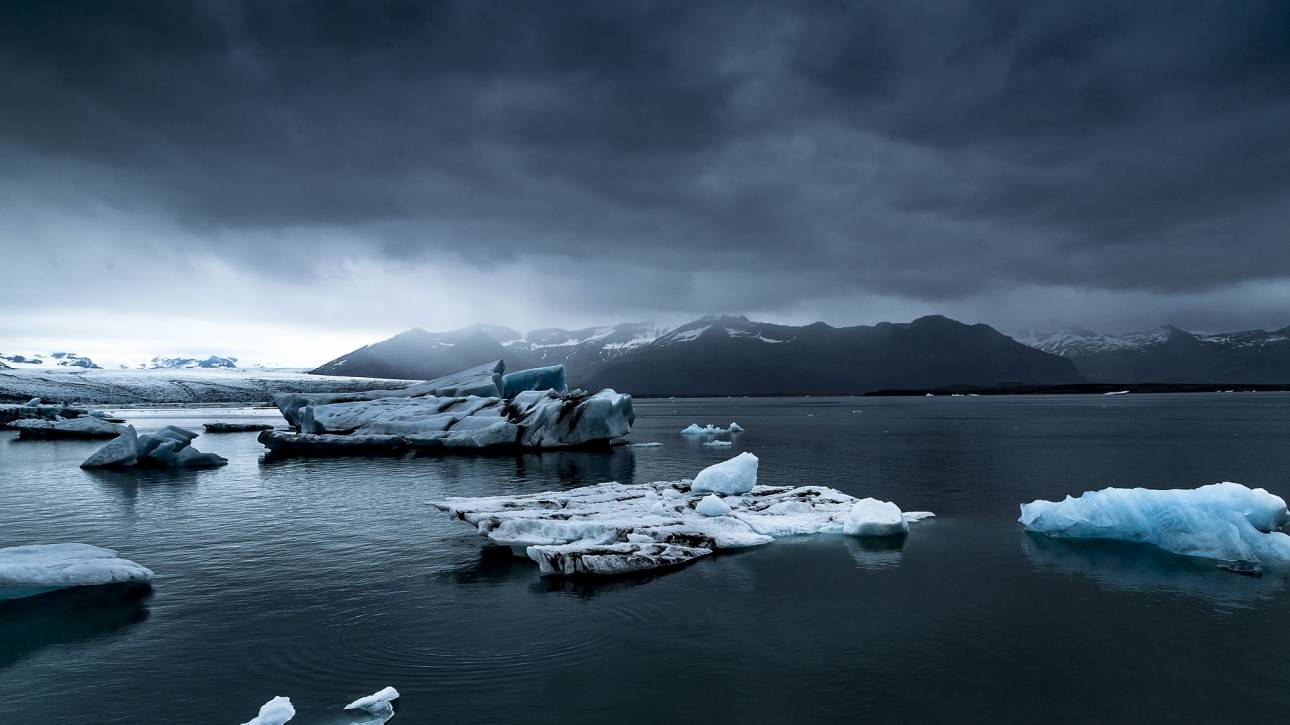 Ανταρκτική: Έντονη ανησυχία για την αποκόλληση παγόβουνου – γίγαντα