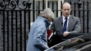 Brexit: Πυρά Εργατικών κατά Μέι λόγω καθυστέρησης της ψηφοφορίας για τη συμφωνία με την ΕΕ